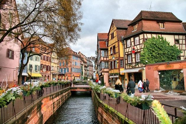 Top những ngôi làng đẹp như tranh vẽ tại nước Pháp