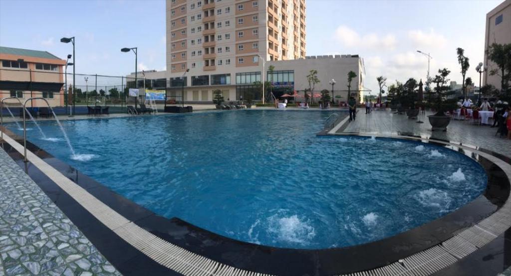 Hồ bơi Khách sạn Mường Thanh Hoàng Mai