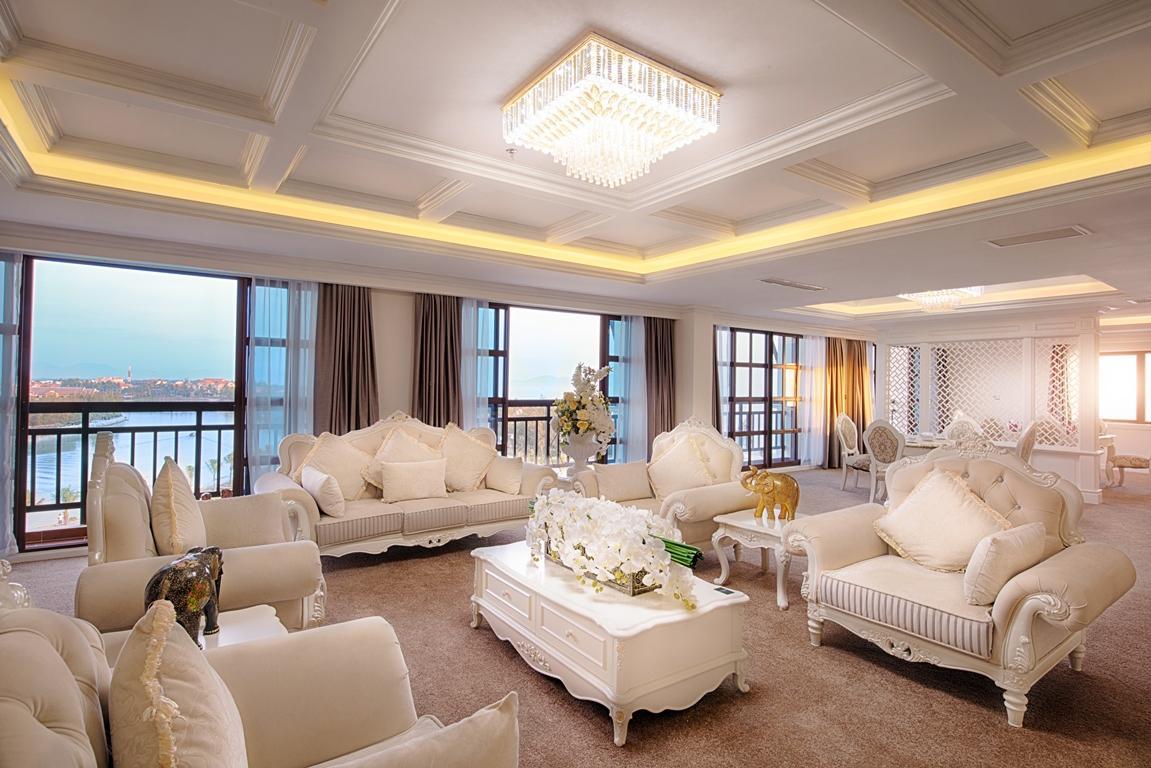 Phòng cao cấp nhất khách sạn Mường Thanh Hội An