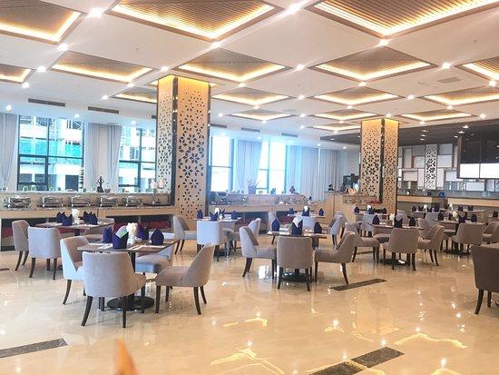 Nhà hàng khách sạn Mường Thanh Viên Triều Nha Trang