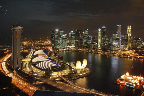 bay từ singapore về việt nam có bị cách ly không