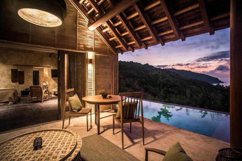Biệt thự trên dồi có hồ bơi Zannier Hotels Bãi San Hô Phú Yên